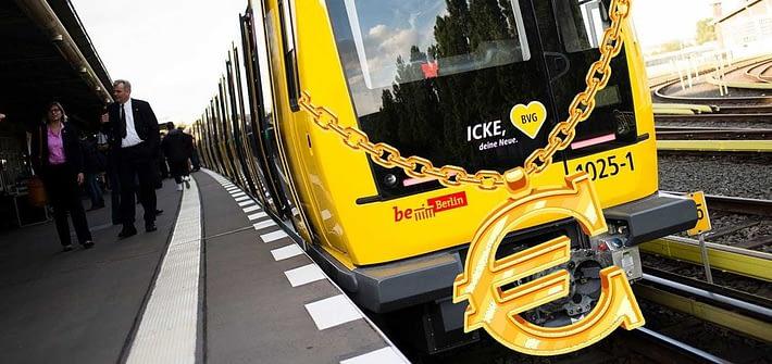 bvg train gold necklace